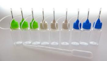 9 Stück Nadelflaschen leer – Needlecap – weißen, grünen und blauen Spitzen + Pipette – zum befüllen oder mischen von E-Liquid.